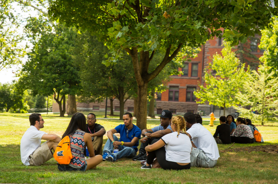 A group of students gathers at OME's pre-orientation. Photo credit: Gettysburg College Flickr