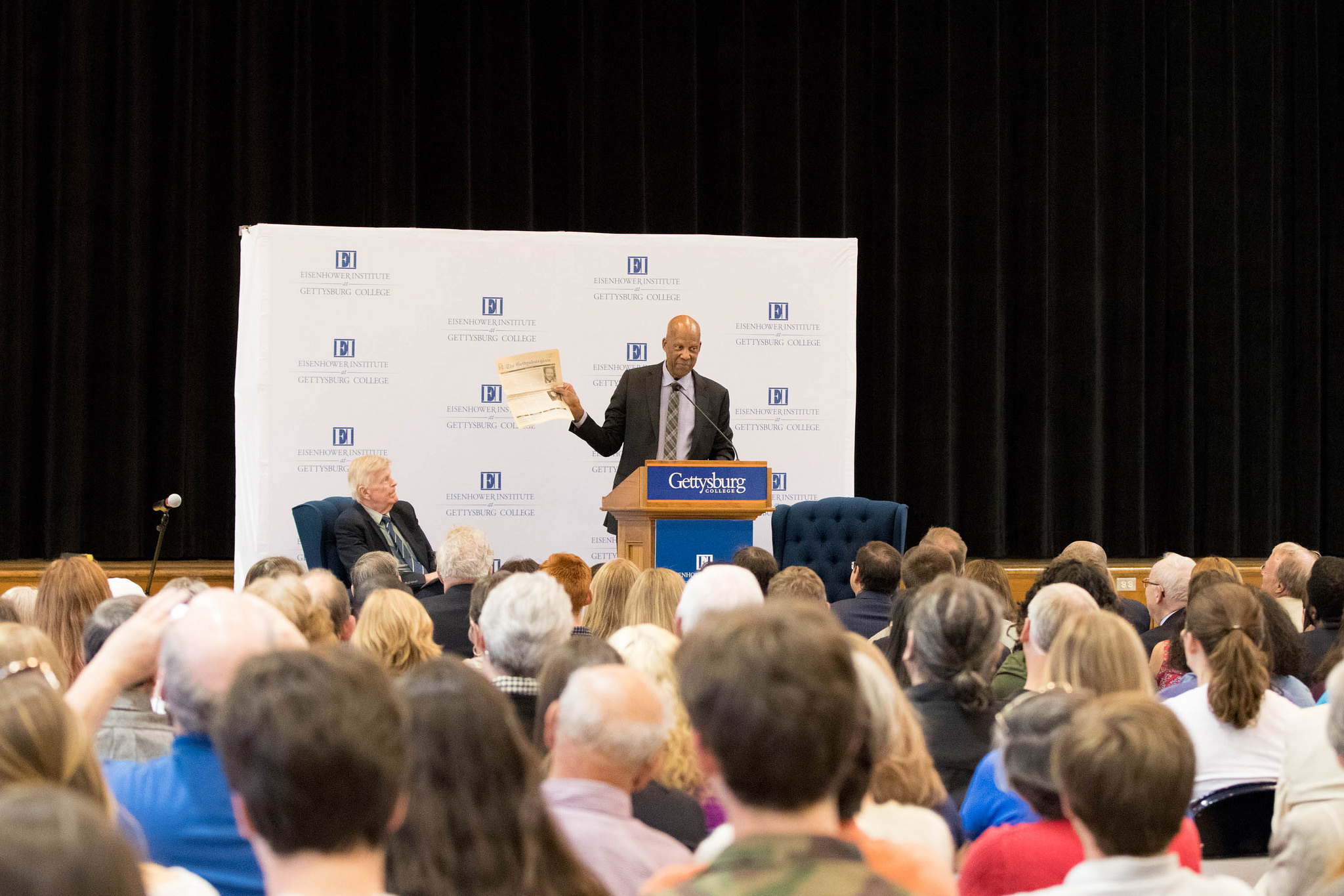 Dr. Terrence Roberts begins his speech at the 2017 Blavatt Lecture