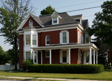 "The Corner Cottage debuted as a ""Special Interest House"" for biology students in 1987 (Photo courtesy of Gettysburg College)"
