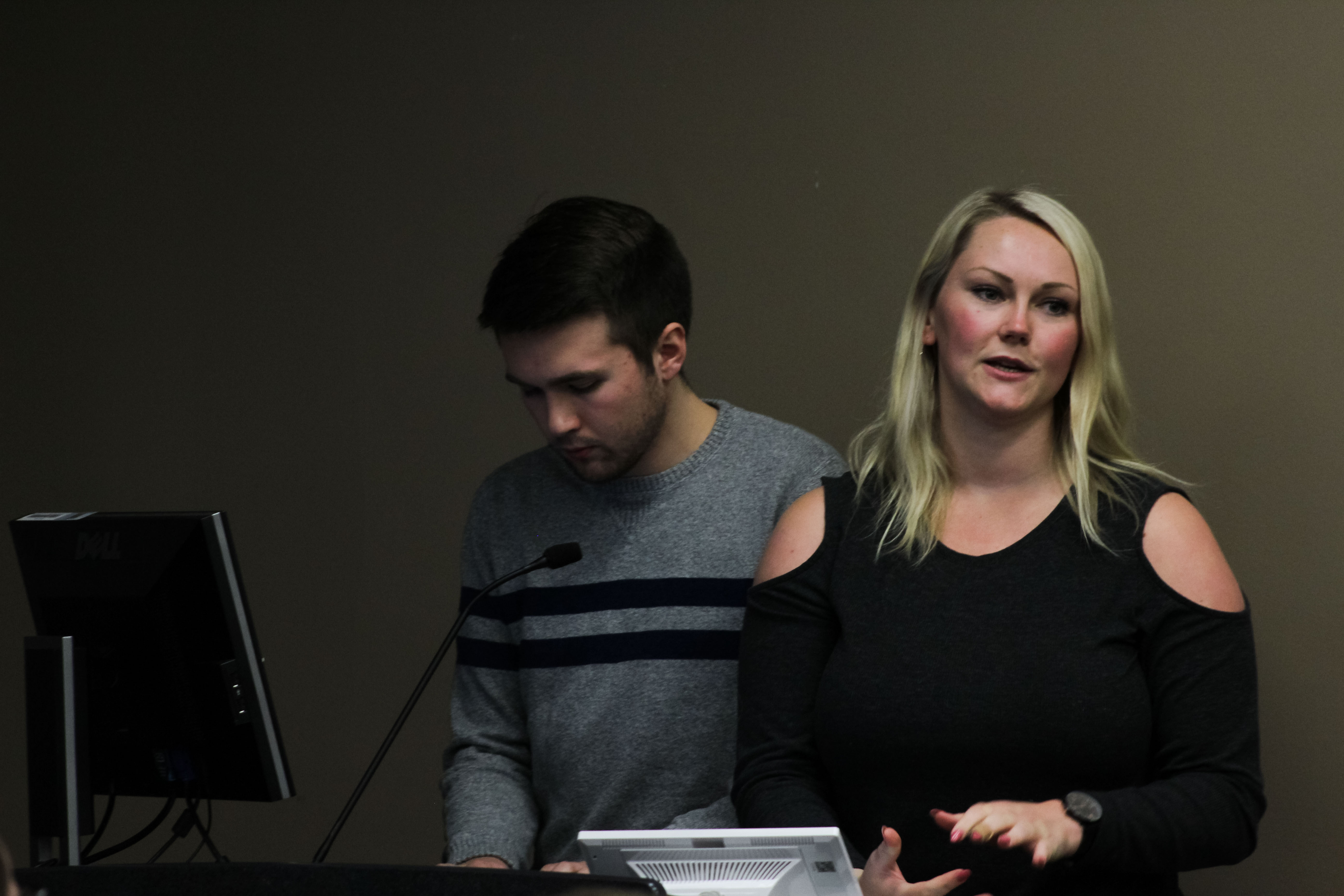Senate Policy Committee Chair Pat McKenna and Vice President Aimee Bosman report on election procedures at the Student Senate meeting on February 5, 2018 (Photo Claire Bickers / The Gettysburgian)