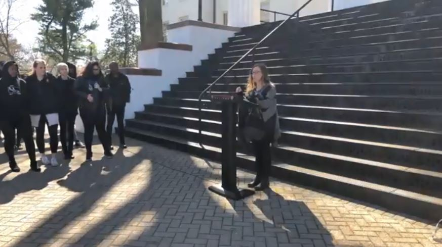 Amanda Richman '18 delivers a speech at the Walkout to End Gun Violence on April 20, 2018 (Photo via Screengrab from The Gettysburgian's livestream)