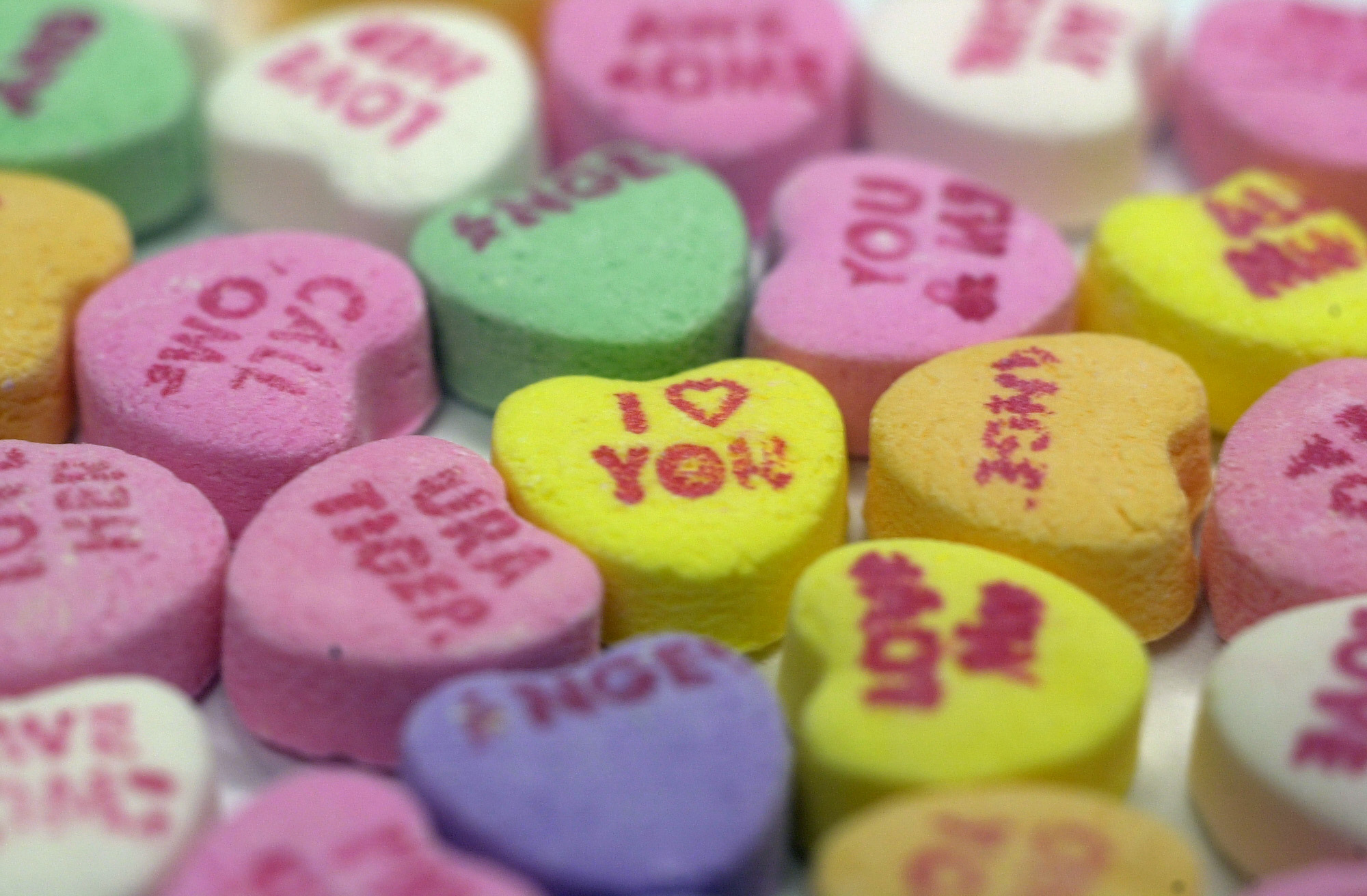 Gettysburg students compare their stories of love to typical Valentine's Day candies (Photo courtesy of Chris Sloan via Flickr).