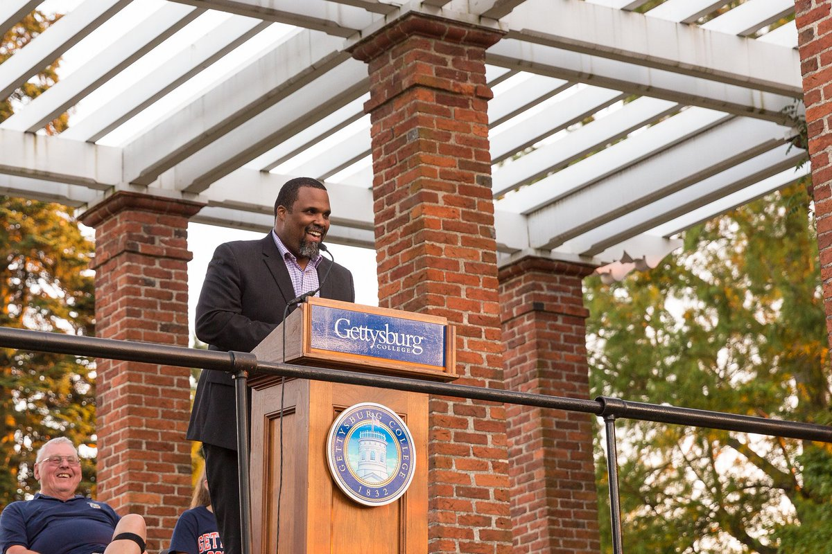 Darrien Davenport speaks at the 2018 First-Year Walk (Photo courtesy of Gettysburg College)