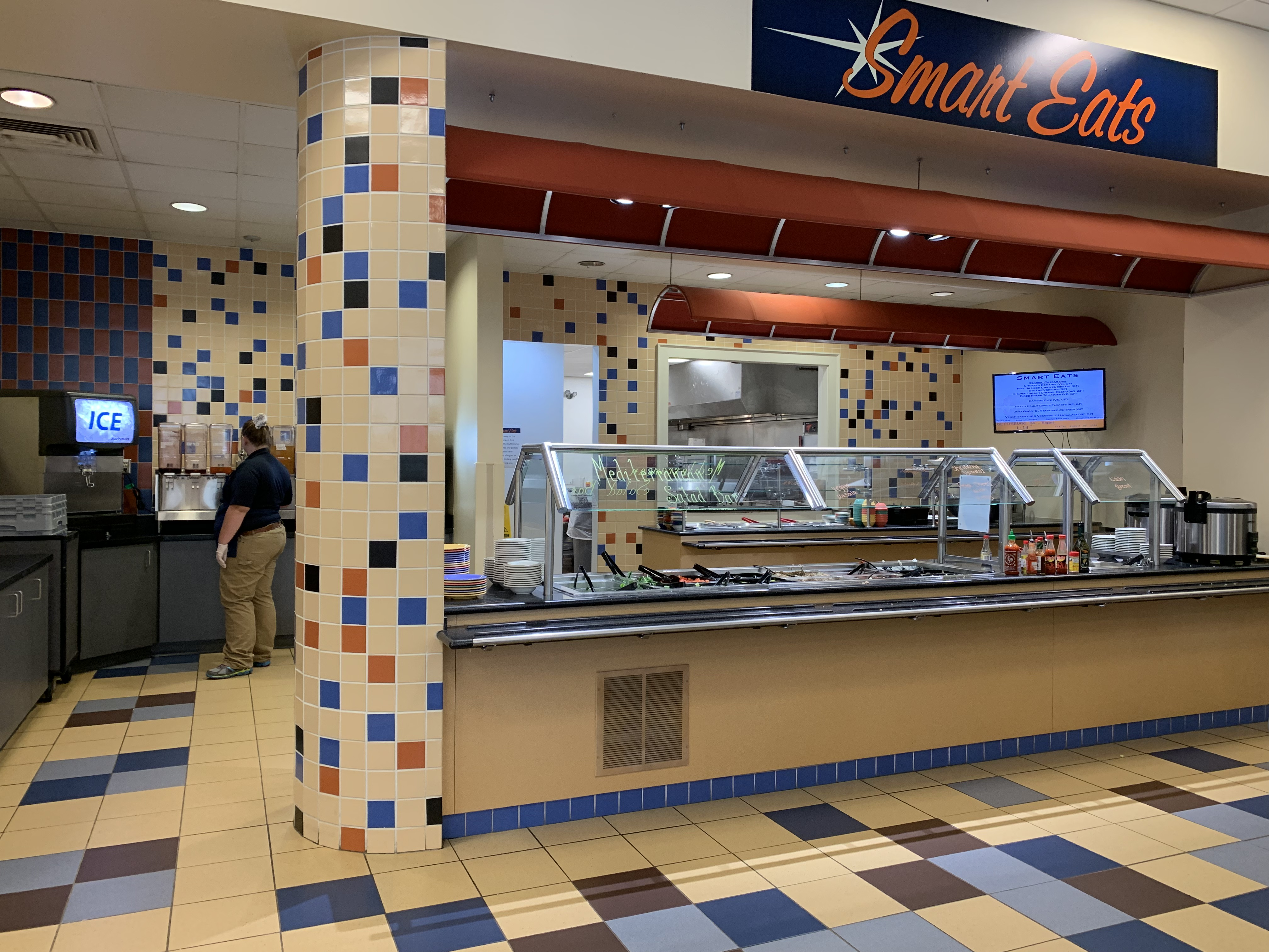 "Servo recently unveiled its newest ""Smart Eats"" section with a wide variety of healthy options (Photo Phoebe Doscher/The Gettysburgian)."