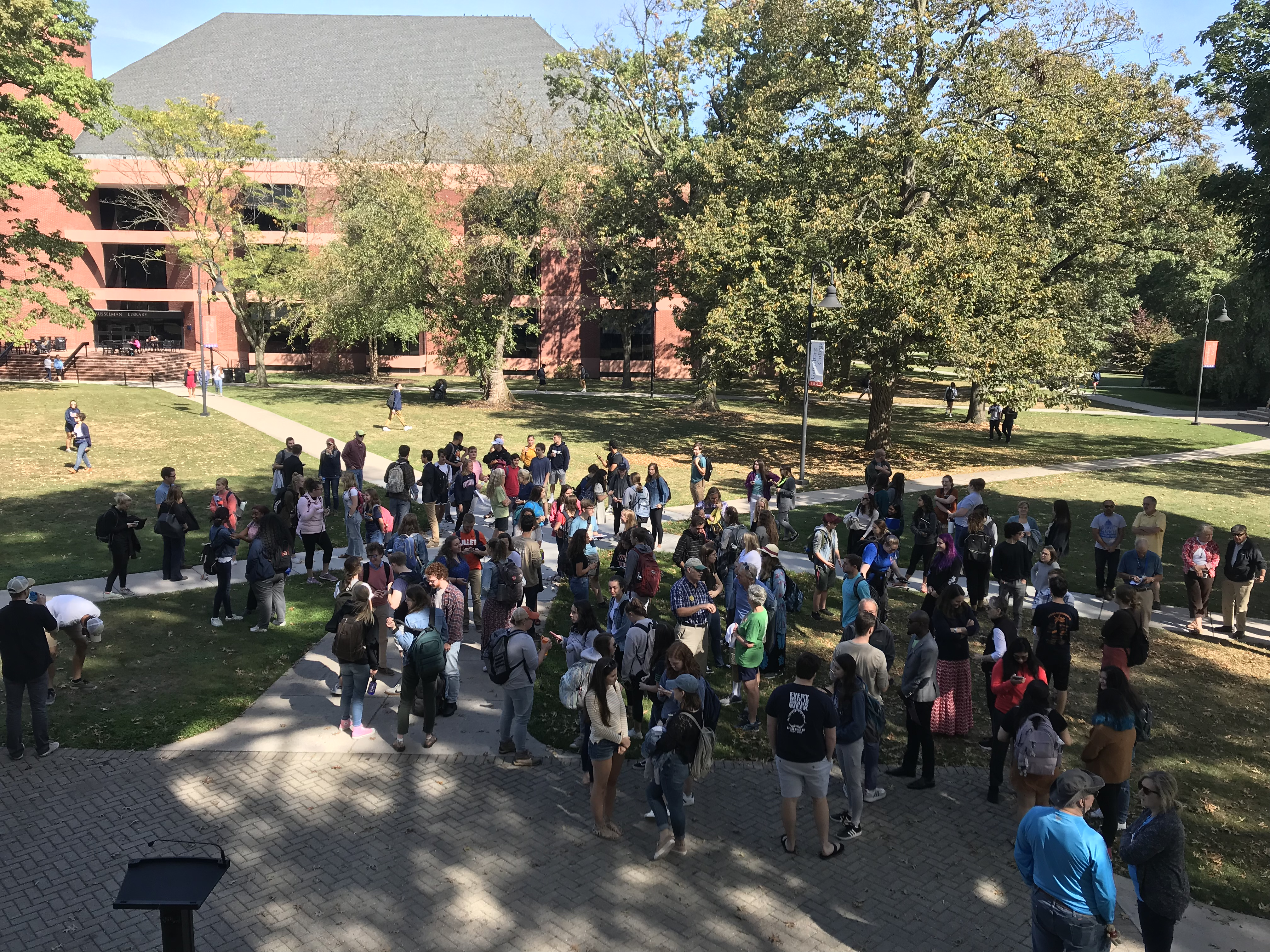 Students and faculty gathered at the climate strike last Friday (Photo Sam Hann/The Gettysburgian)