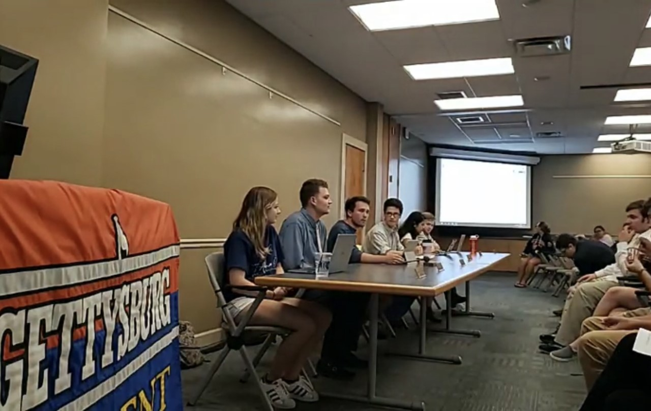 The Student Senate Executive Board addresses the room at the first Senate meeting of the year (Photo: The Gettysburgian).