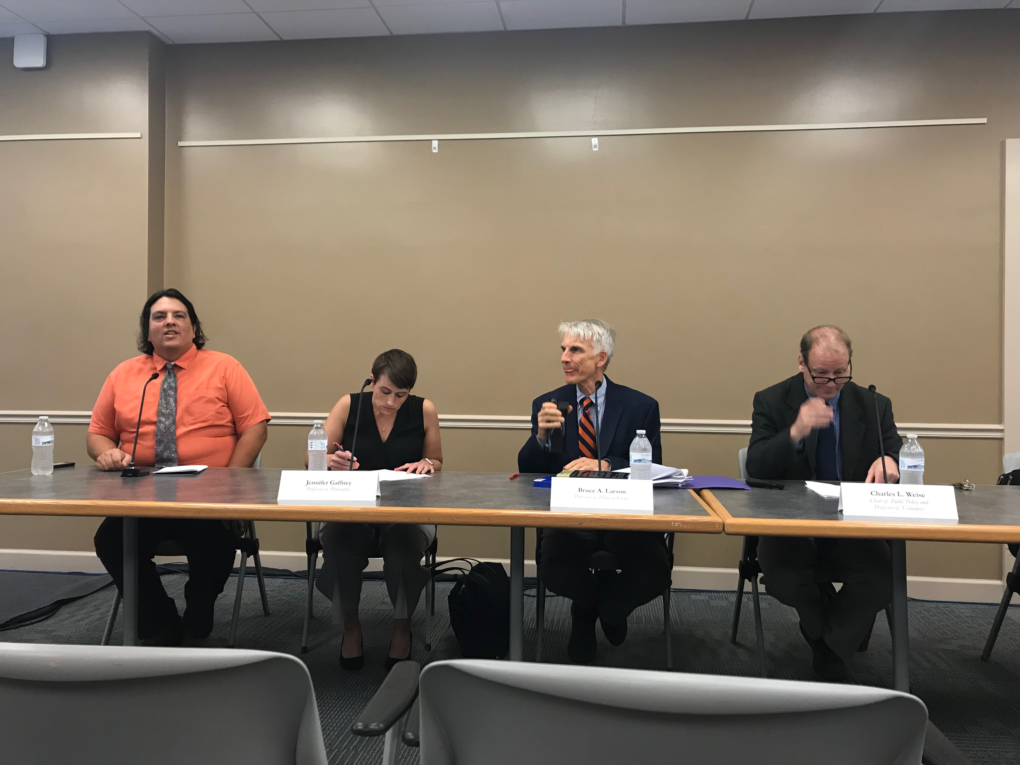Gettysburg faculty speak at a panel during Inauguration weekend (Photo Nicole DeJacimo/The Gettysburgian)