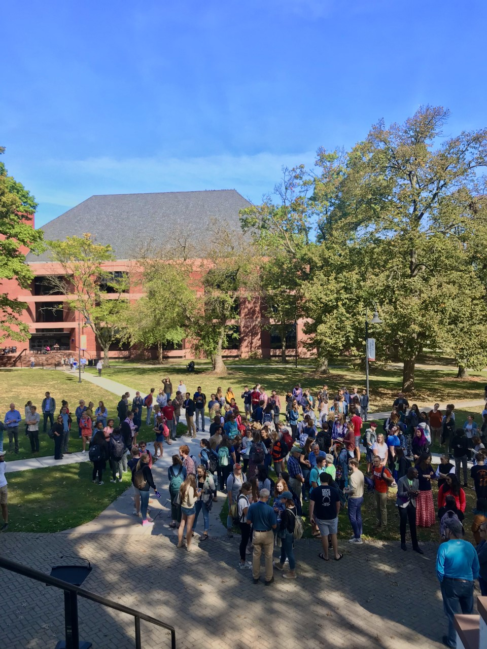 Students, faculty, and staff joined at a rally to advocate for climate action on Sep. 20 (Photo Sam Hann/The Gettysburgian)
