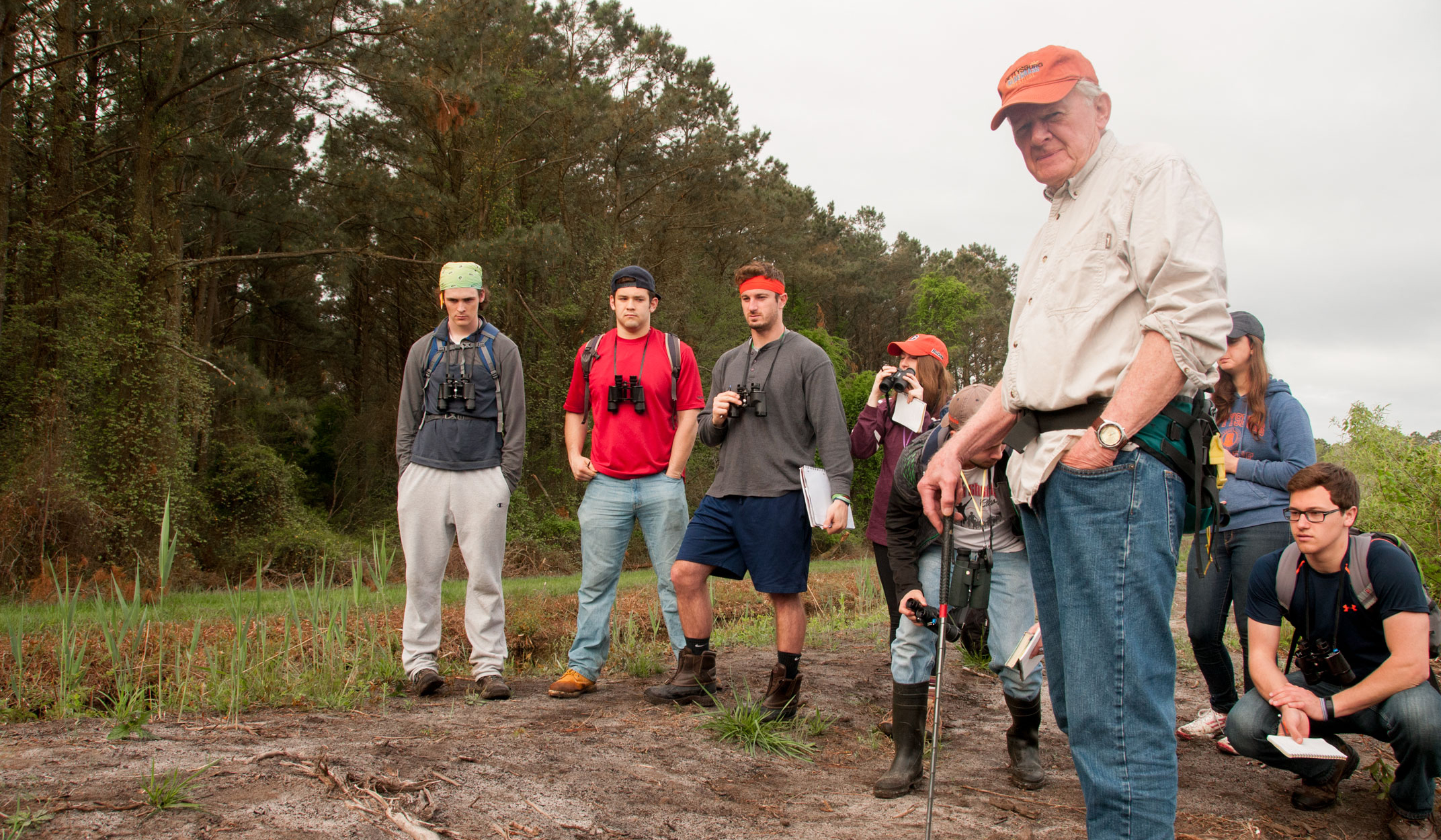 Professor Emeritus John Winkelmann on a field trip with students (Photo courtesy of Gettysburg College)