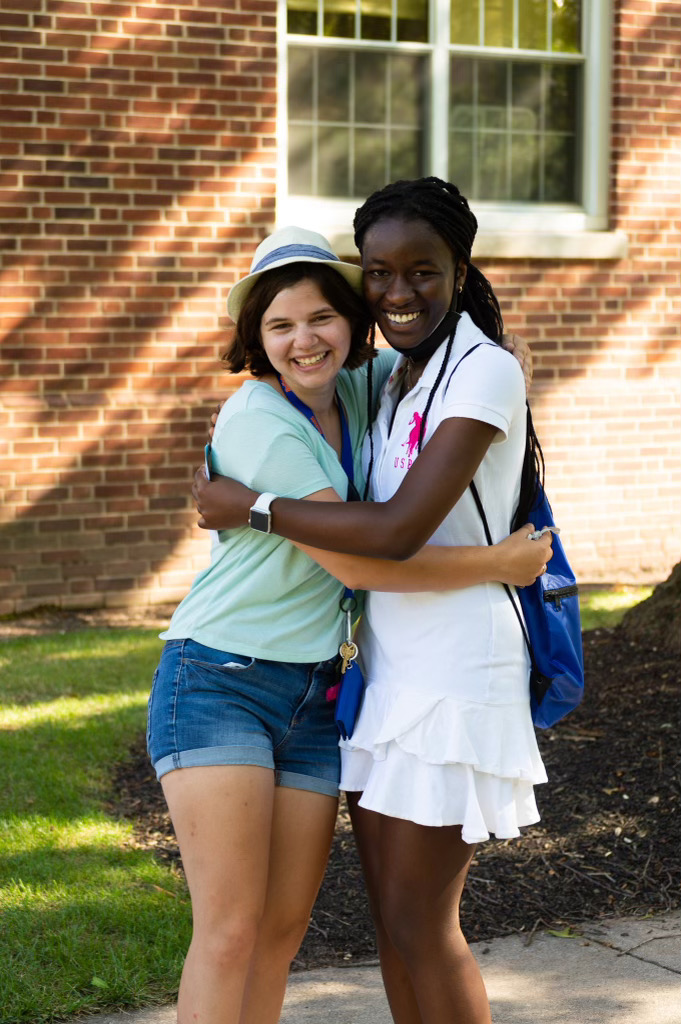 All smiles on Move-In Day (Photo Aly Wein/The Gettysburgian)