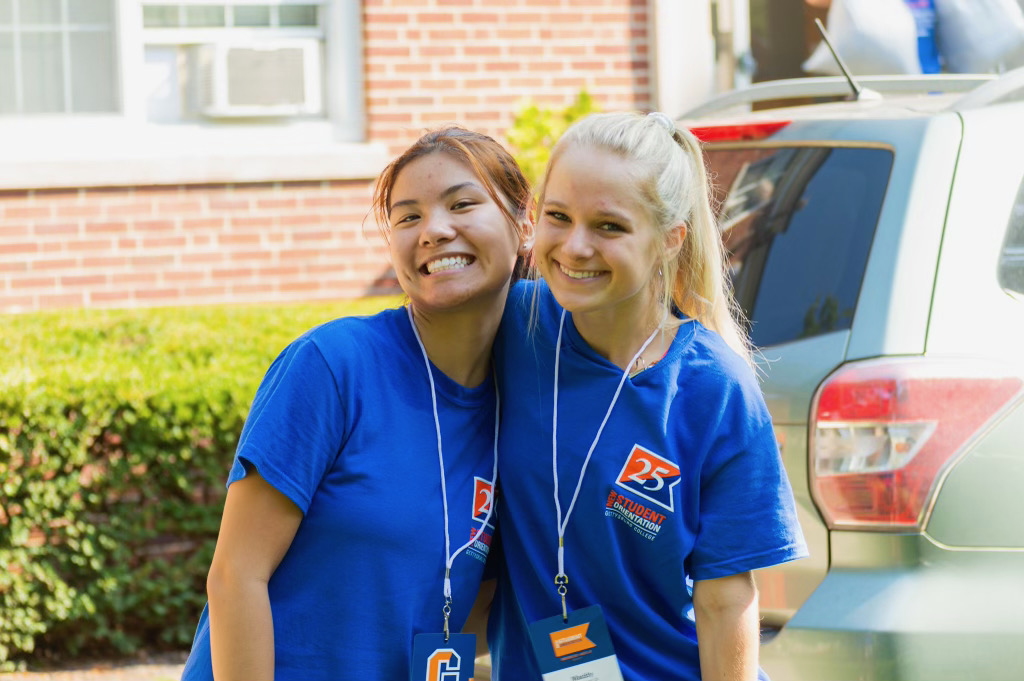 Cheesin' in between moving students in (Photo Aly Wein/The Gettysburgian)